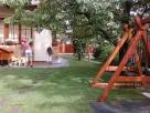 Gyepszőnyeg és játszótér - Balatonkenese - kertépítés képek