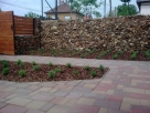 Fakéreggel takart növénysziget - Szigetszentmiklós - kertépítés képek